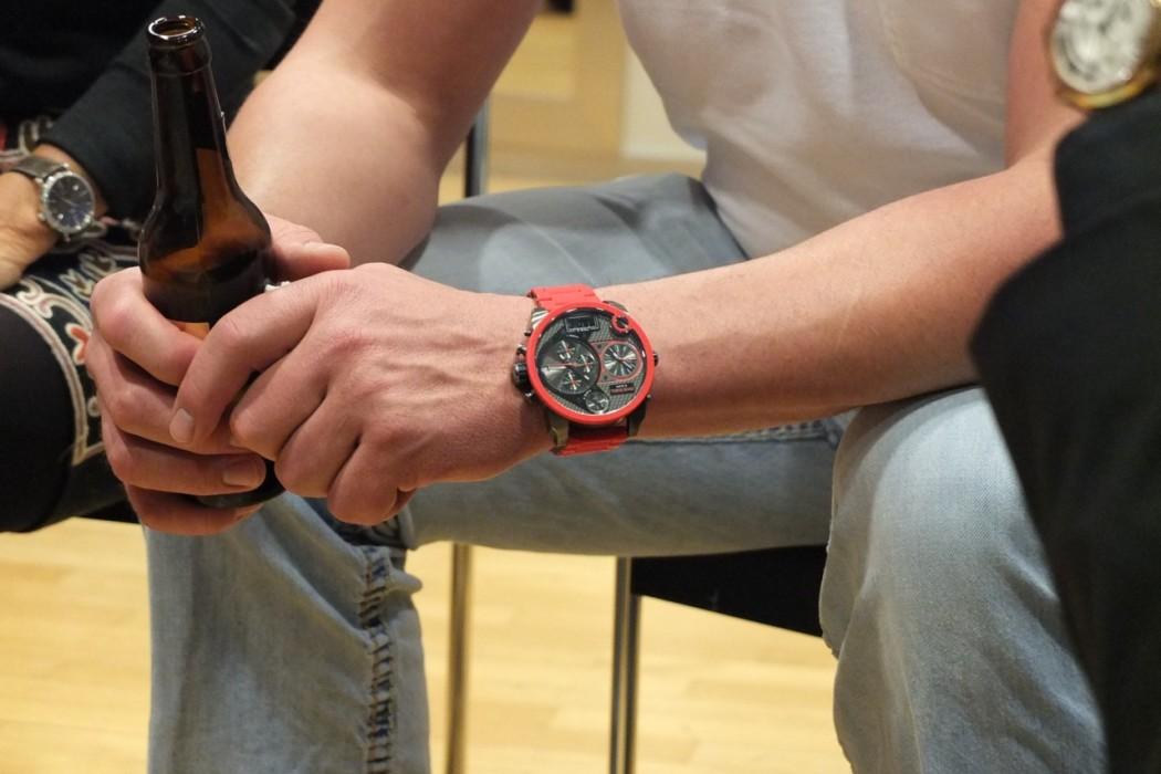 Die Uhr des Schwingers, eine XL-Diesel.