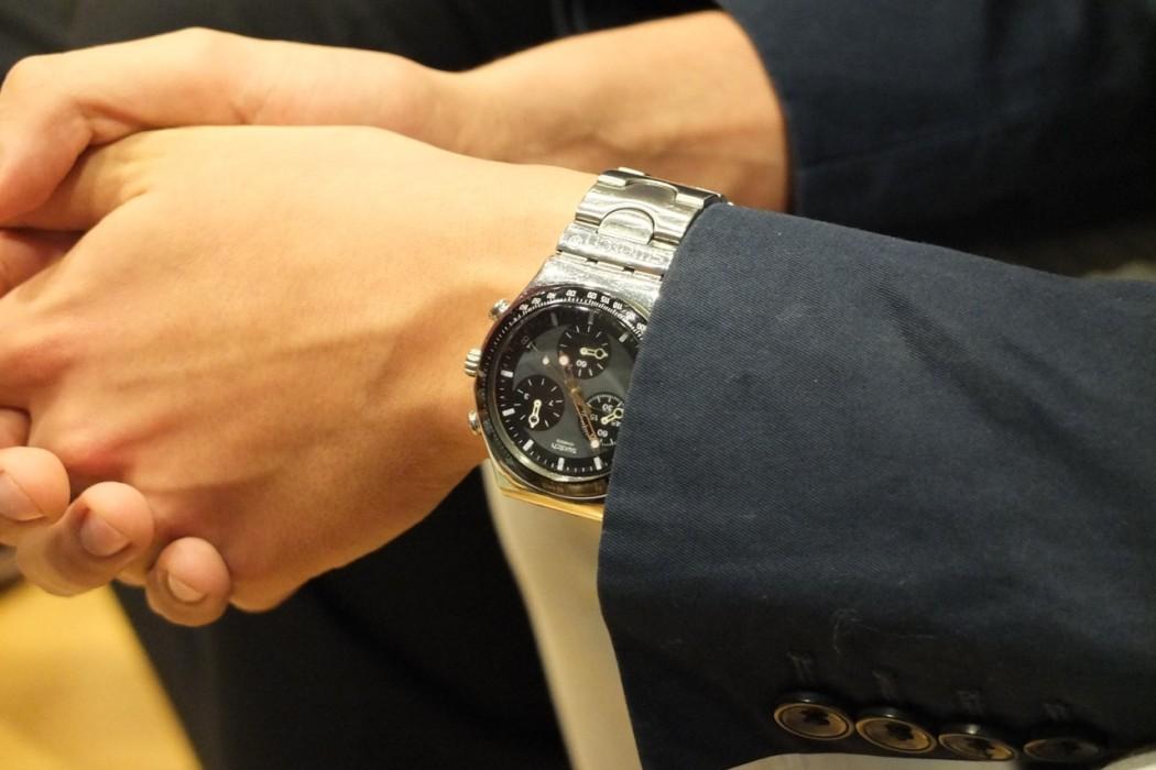 Die Uhr des Jungpolitikers, eine Swatch.