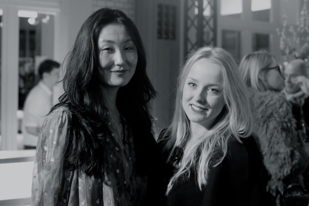 Jennifer Kim und Mitarbeiterin.