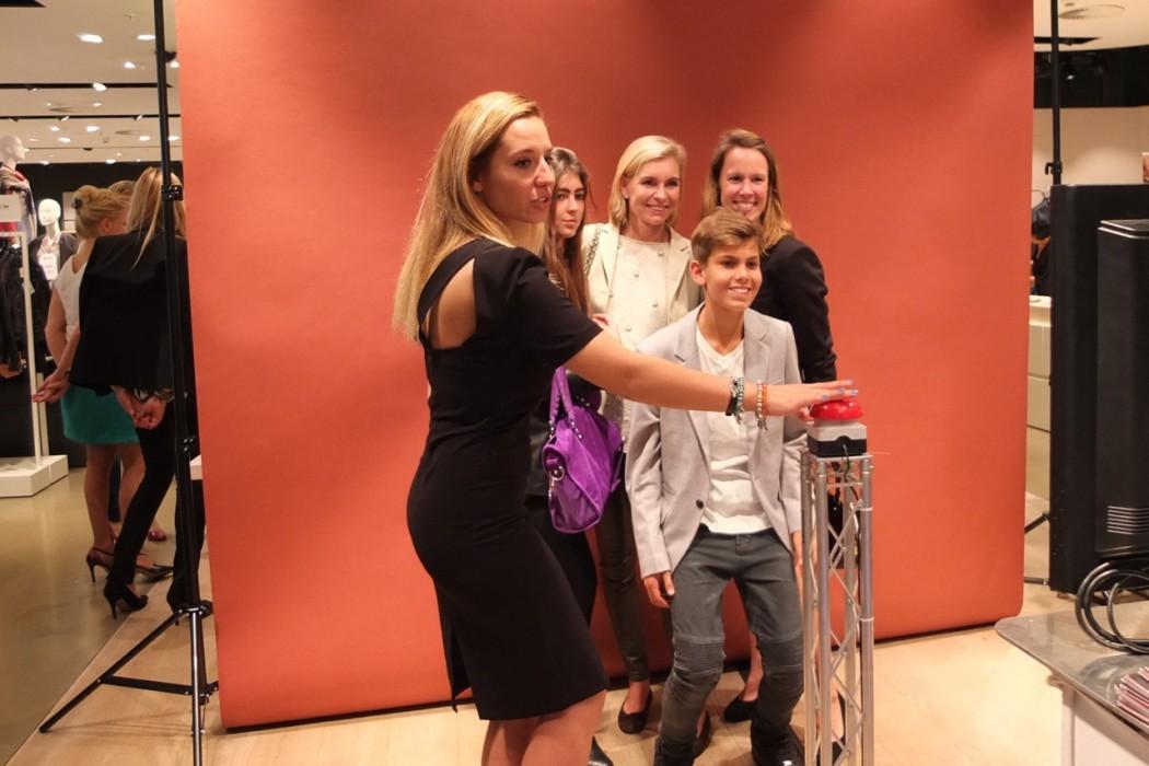 Family-Plausch am Selfie-O-Mat