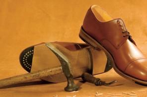 Brauche ich holzgenagelte Schuhe?