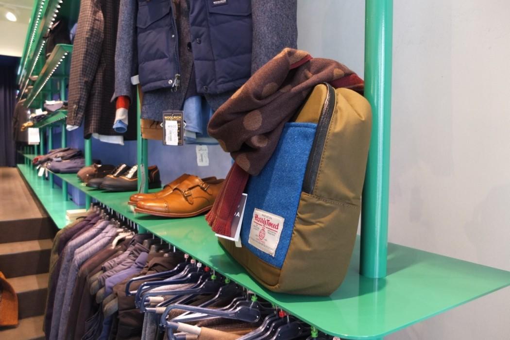 Taschen von Woolrich, Schuhe von Grenson