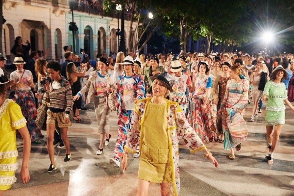 17_Cruise-2016-17-collection-Finale-pictures-by-Olivier-Saillant-2